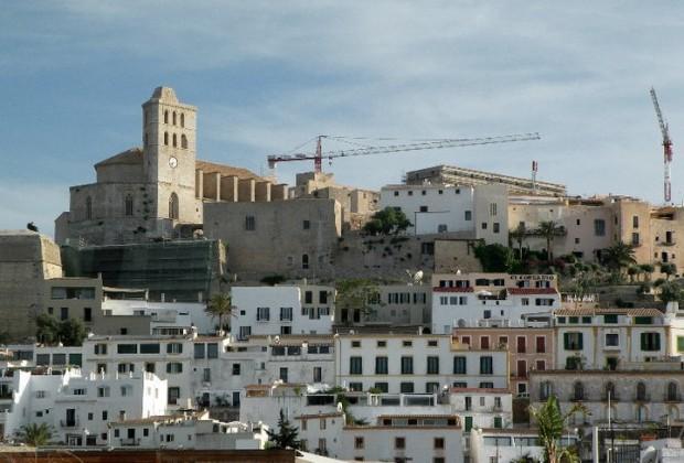 Ibiza por sus cuatro costados