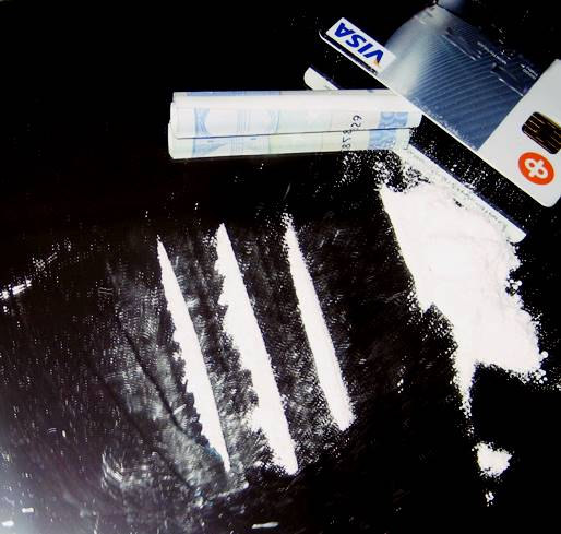 Cocaine_lines_2
