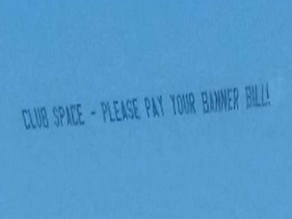 Cortesía: Aerial Banners Inc. Facebook Official