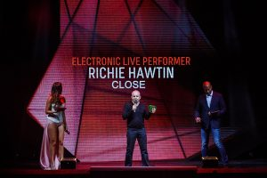 Ganador Richie Hawtin propuesta close